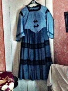 sunday dress from 1800s